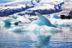 Jokulsarlon, Islanda - metà di estate Iceberg dal gla del vatnajokull fotografia stock libera da diritti