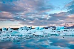 Jokusarlon hermoso, Islandia Fotos de archivo libres de regalías