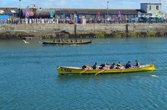 Jol die in Newlyn-Haven Cornwall, Engeland rennen royalty-vrije stock foto's