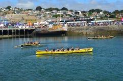 Jol die in Newlyn-Haven Cornwall, Engeland rennen royalty-vrije stock foto