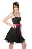 joli adolescent de robe noire photo stock