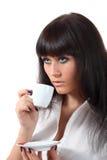 Joli café de boissons de woomen d'yeux bleus image stock