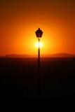 Joli coucher du soleil dans la ville Photos stock