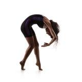Joli danseur de femme d'isolement sur le blanc photo stock