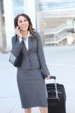 Joli femme d'affaires à l'immeuble de bureaux Photo libre de droits