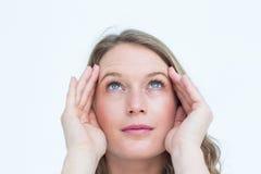 Joli hippie avec le mal de tête photographie stock