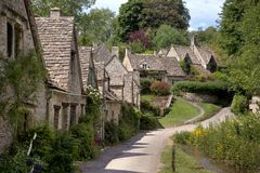 Joli village de Cotswold Photographie stock libre de droits