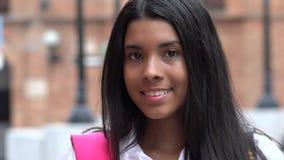 Jolie étudiante de l'adolescence de sourire images stock