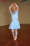 Jolie ballerine 2 d'enfant en bas âge Photographie stock