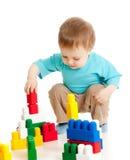 Jolie chéri avec le jouet éducatif de couleur Photo libre de droits