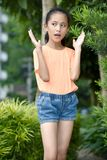 Jolie fille asiatique ?tonn image libre de droits