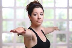 Jolie fille dans le yoga Photos stock