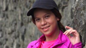 Jolie fille de l'adolescence de sourire image libre de droits