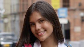 Jolie fille de l'adolescence hispanique images libres de droits