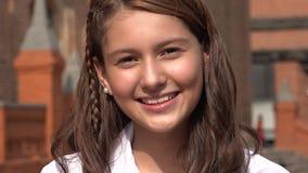 Jolie fille de l'adolescence de sourire photos stock