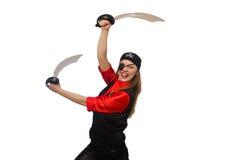 Jolie fille de pirate jugeant l'épée d'isolement sur le blanc Photos stock