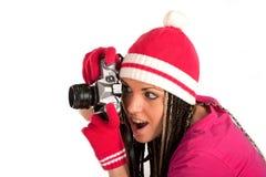 Jolie fille et vieil appareil-photo Zenit-E de film Image stock