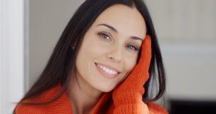Jolie jeune femme avec un sourire magnifique Images libres de droits