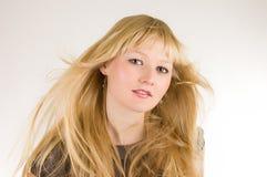 Jolie verticale de studio de fille Photographie stock libre de droits