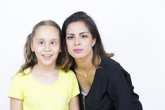 Jolies femme et fille avec d'expression étrange Images libres de droits