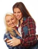 Jolies filles de hippie prenant le selfie Image libre de droits
