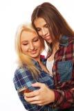 Jolies filles de hippie prenant le selfie Photo libre de droits