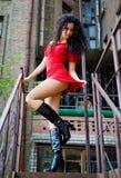 Jolis femmes sur les escaliers de service Photographie stock libre de droits