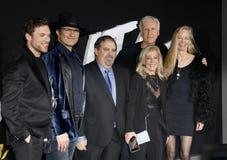 Jon Landau, Robert Rodriguez, Ed Skrein, James Cameron et Suzy Amis Cameron images stock