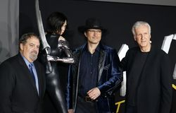 Jon Landau, Robert Rodriguez und James Cameron stockfotos