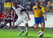 Jonathan De Guzman and Damien Boudjemaa in Petrolul Ploiesti-Swansea FC Royalty Free Stock Images