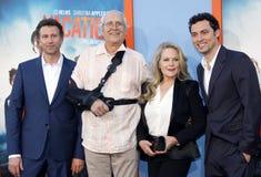 Jonathan Goldstein, John Francis Daley, Chevy Chase och Beverly D'Angelo royaltyfria foton