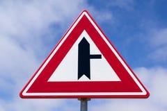 Jonction de route avec la priorité Photo libre de droits