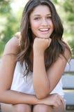 Jong aantrekkelijk gelukkig meisje. stock afbeelding