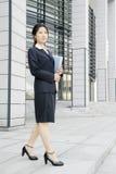 Jong bedrijfsvrouwen woth dossier Stock Foto's