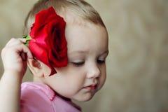 Jong geitje en bloem Royalty-vrije Stock Afbeeldingen