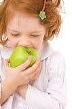 Jong geitje met appelen royalty-vrije stock fotografie