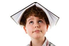 Jong geitje met boek royalty-vrije stock foto's