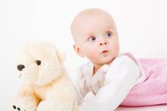 Jong geitje met een stuk speelgoed Royalty-vrije Stock Foto