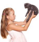 jong geitje met kat Royalty-vrije Stock Afbeeldingen