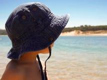 Jong geitje op het strand Stock Foto's