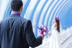 Jong huwelijkspaar stock afbeelding