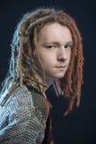 Jong man verliezen-omhooggaand portret Ñ  De kerel van de manierstijl met dreadlock Royalty-vrije Stock Afbeelding