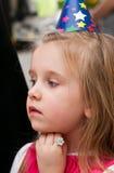 Jong meisje bij verjaardagspartij Royalty-vrije Stock Afbeelding