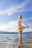 Jong meisje in de aard Royalty-vrije Stock Afbeelding