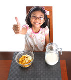 Jong Meisje die Ontbijt VII hebben Royalty-vrije Stock Afbeeldingen