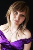 Jong meisje in lilac overhemd Royalty-vrije Stock Foto