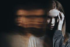 Jong meisje met hallucinaties royalty-vrije stock fotografie