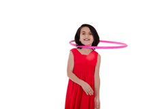 Jong meisje met hulahoepel op haar hals Royalty-vrije Stock Afbeeldingen