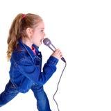 Jong meisje met microfoon Royalty-vrije Stock Fotografie