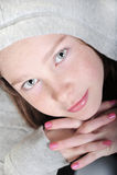 Jong meisje met mooi gezicht Royalty-vrije Stock Foto's